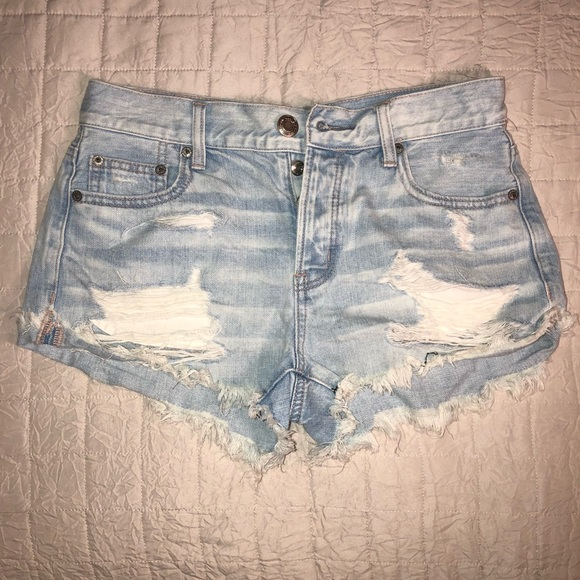 American Eagle Outfitters Pants - American Eagle Tomgirl Shortie